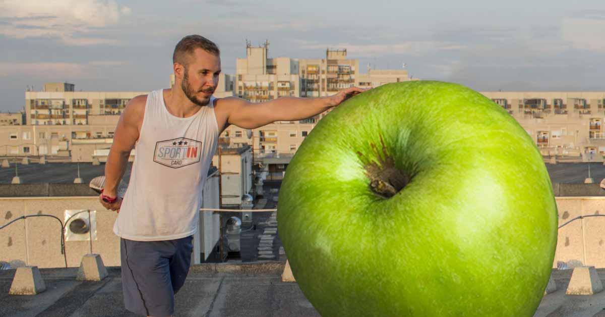Miklós egyetért Almával